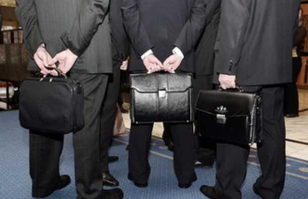 Совет по этике рекомендовал уволить чиновников, устроивших драку в кафе в Боровом