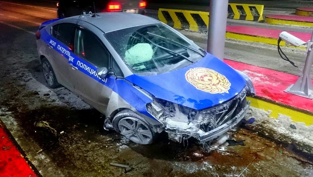 Житель Щучинска угнал служебный автомобиль, припаркованный у здания Бурабайского РОВД