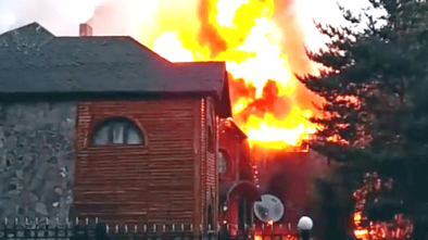 Сильный пожар произошел на курорте Бурабай