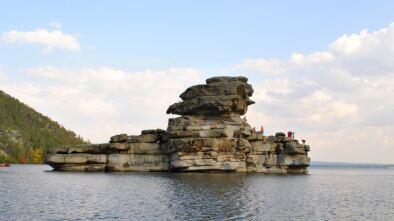 Боровое скала Жумбактас (Камень – загадка)