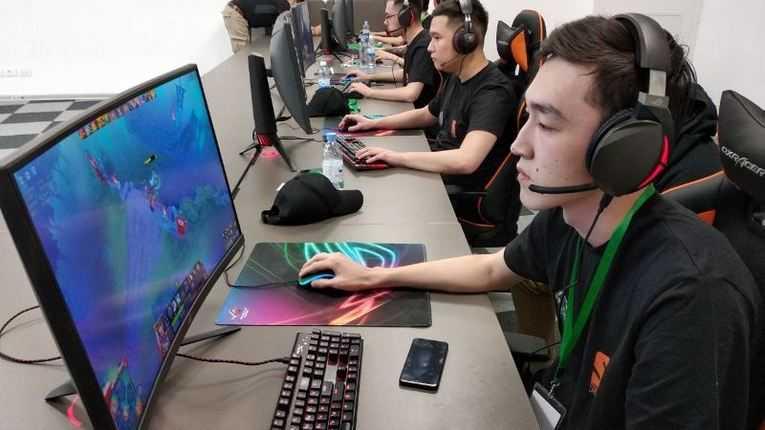 Победителями турнира по киберспорту в Щучинске стали алматинцы