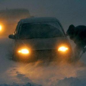 Около 100 автомобилей застряли на трассе Щучинск-Нур-Султан